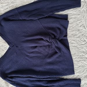 Back knot sweater